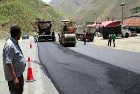 انجام عملیات راهداری تابستانی در منطقه اورامانات استان کرمانشاه