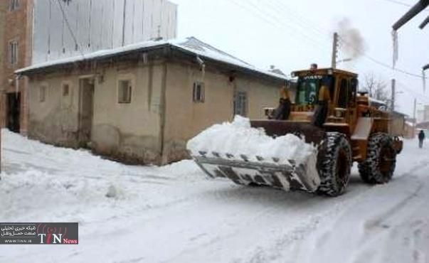 برف و سرما زندگی مردم را در خلخال مختل کرد