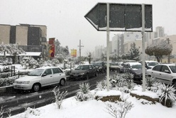برف پاییزی، تهران را قفل کرد