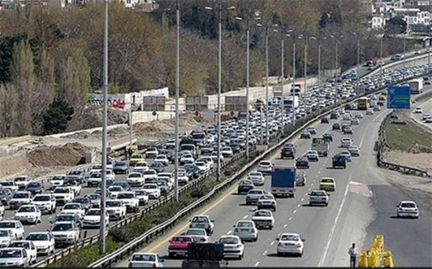 افزایش ۵.۹ درصدی تردد در جادههای کشور