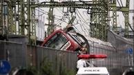 تصادف قطار با کامیون در ژاپن + عکس