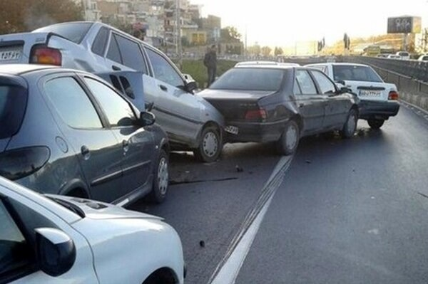 وقوع تصادف زنجیرهای در شیراز/پنج نفر مصدوم شدند