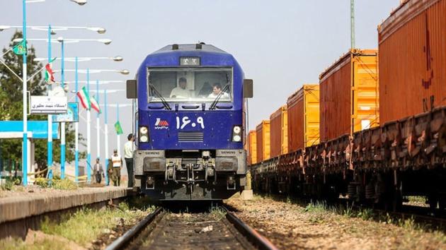 قطار شیراز به مشهد روزانه می شود
