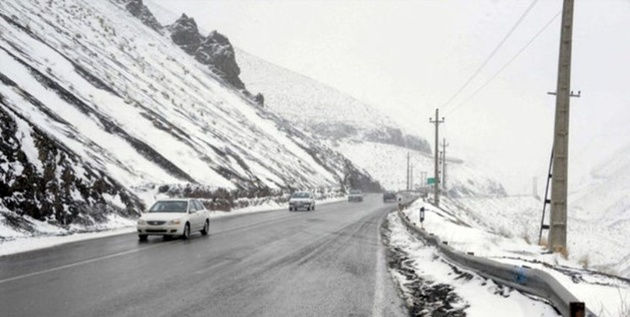 بارش برف در محور چادگان- چنار رود