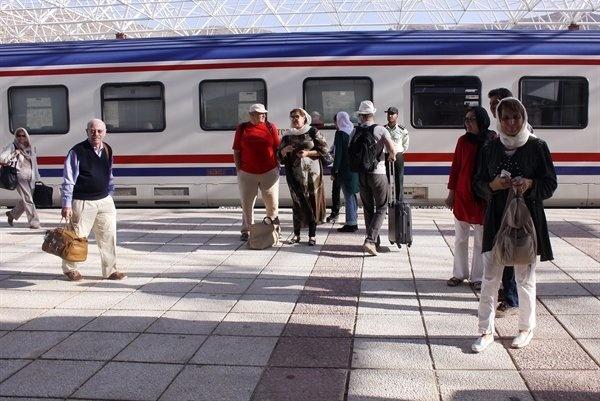قطار «قلب ایران» وارد سرخس شد