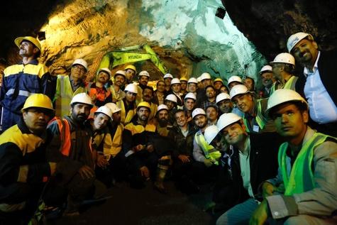 پایان حفاری تونل شرقی البرز