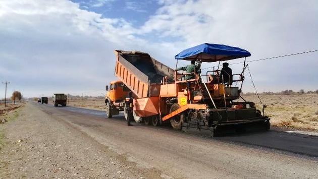 اجرای 4 کیلومتر روکش حفاظتی راه گردشگری روستای بوژان نیشابور