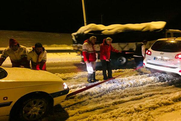 تاکنون 78 خودرو از کولاک در جادههای خوزستان رهاسازی شدند