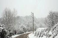 علیرغم بارش برف، تمامی محورهای لرستان باز است