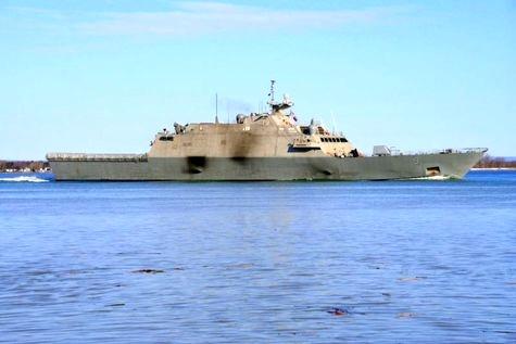 رهایی کشتی USS Little Rock پس از سه ماه محبوس شدن در یخ