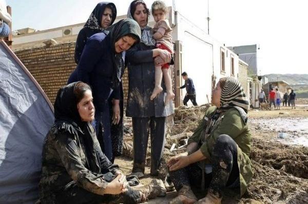 سیلزدگان پلدختر جز لباس تنشان چیزی در بساط ندارند