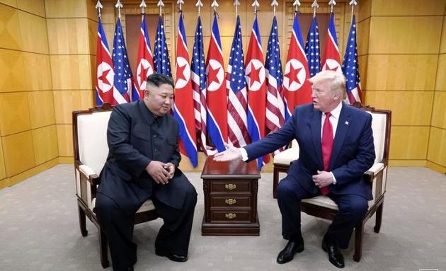 ترامپ در دیدار بیسابقه از کره شمالی: دیدارم با «اون» پربار بود  (تصاویر)