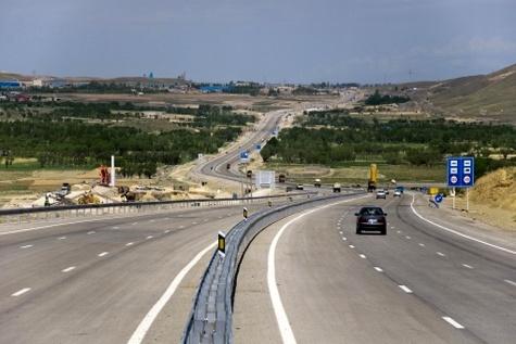 اجرای کامل پروژه آزادراه همدان - سنقر - کرمانشاه طی ۳ سال آینده