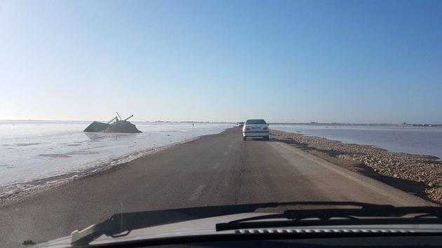ممنوعیت تردد کامیونها در جاده ساحلی گناوه-بوشهر