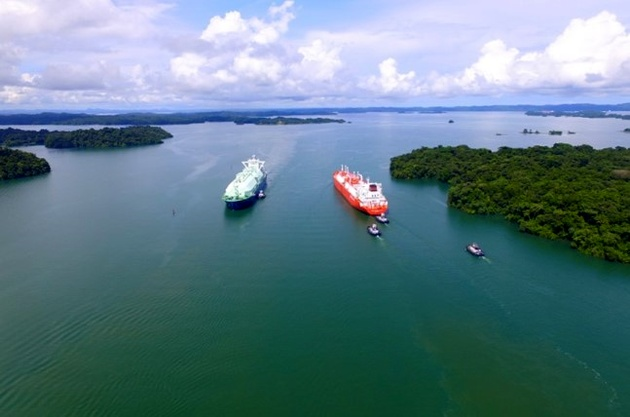 Four LNG Carriers Transit Panama Canal in One Day