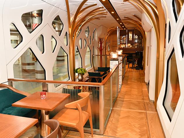 Shiki-Shima luxury cruise train launches
