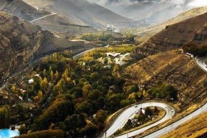 فیلم| دوچرخه سواری عجیب در جاده چالوس