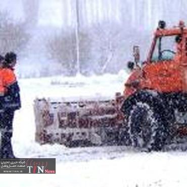مسدود شدن ۵۰ درصد محورهای روستایی فاروج به علت بارش برف