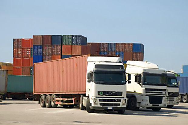 ممنوعیت تردد کامیون های حمل بار صادراتی در مرز چذابه