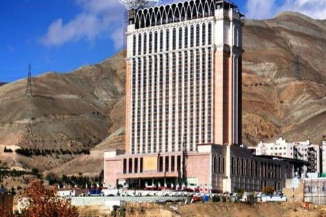 بزرگترین هتل ایران نه جاده دارد نه تابلو