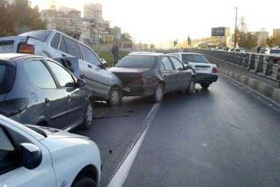 تصادف سه خودرو در بزرگراه شهید زینالدین