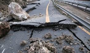 خطر ریزش و رانش در جاده هراز جدی است