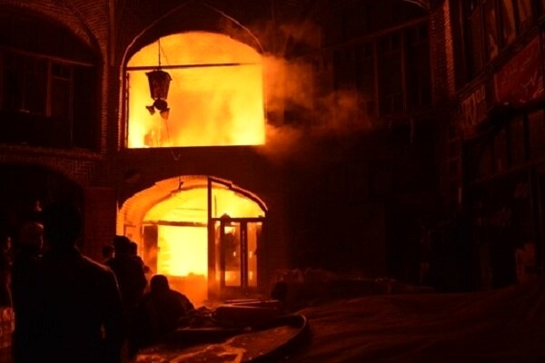 ۱۳۰مغازه درآتش سوخت/احتمال خسارت دهها میلیاردی به بازاریان تبریزی