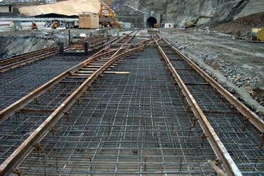 احداث راهآهن و چهار بانده کردن محورهای ایلام در برنامه وزارت راه