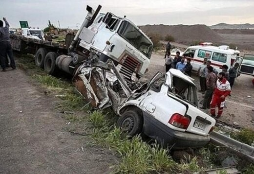 تصادف پراید و کامیون در باشت پنج کشته برجای گذاشت