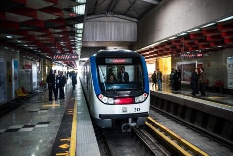 نشست مدیرعامل شرکت بهره برداری مترو تهران با کارکنان مسیحی