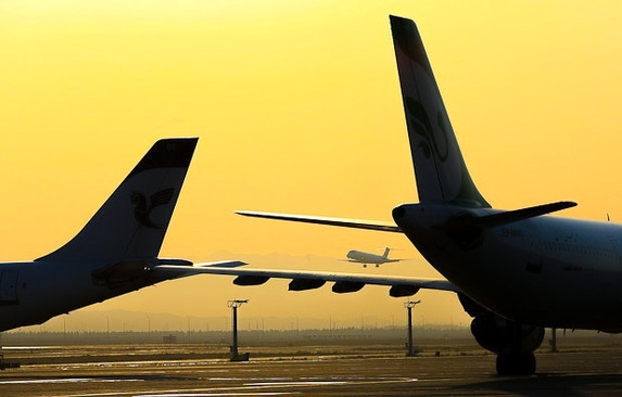 سوریه حمله موشکی به فرودگاه المزه را تکذیب کرد