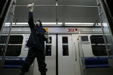 قطارهای شهری و ایستگاههای مترو تهران حداقل سه بار در روز ضدعفونی میشوند
