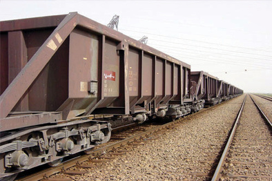اولین محموله زغال سنگ از راه آهن شرق به جلال آباد حمل شد