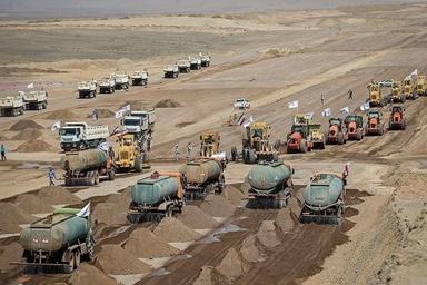 ساخت و توسعه صدها کیلومتر آزادراه اقدام درستی است؟