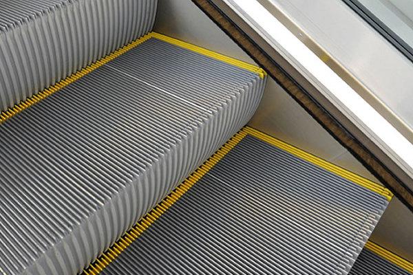 استفاده از پله برقی های ساخت داخل در ایستگاههای خط ۷ مترو تهران