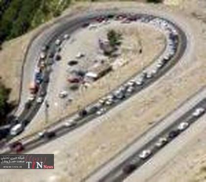 ترافیک نیمهسنگین در محور هراز، چالوس، رشت و فیروزکوه / تکاب شاهیندژ برفی است