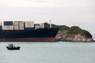 عکس/  کشتی به گلنشسته ایرانی در هنگ کنگ