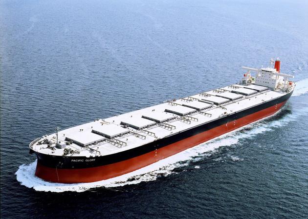 ادعای رویترز: ایران در حال ذخیرهسازی نفت در «دالیان» چین است