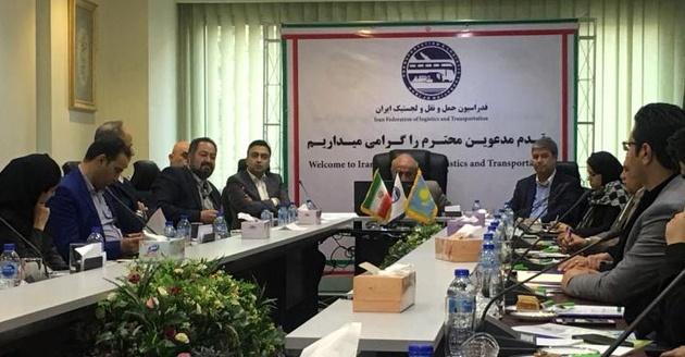 مسئولان بندر اکتاو در حال بررسی گسترش همکاریها با ایران هستند
