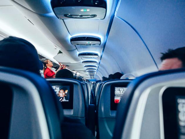 آیا تابحال با خود فکر کرده اید که چرا داخل هواپیما سرد است؟