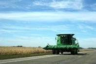 تردد ادوات کشاورزی در آزادراهها ممنوع است