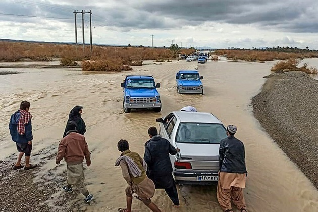 راه ارتباطی ۳۳۰ روستا در سیستان و بلوچستان مسدود است/ احتمال بازگشایی مسیرها تا فردا ظهر