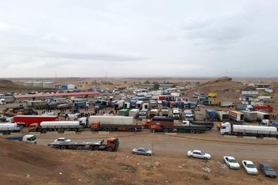 عکس  انبوه کامیونها در مرز پرویز خان