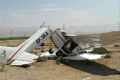 سقوط هواپیمای آموزشی جان خلبان و کمک خلبان را گرفت