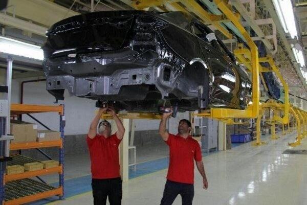 دولت باید سهام خود را در خودروسازی واگذار کند