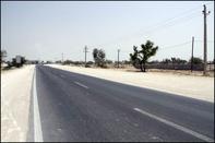 اجرای طرح ایمن سازی جاده فرخشهر به سمت دستگرد امامزاده