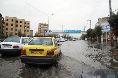 امدادرسانی به ٢۴٣۵ نفر در سیلاب ١۶استان