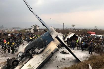 (عکس) لاشه هواپیمای نپال