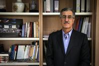 چرا اقتصاد ایران از ریل خارج شد؟