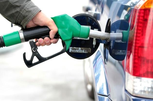 قیمت جهانی بنزین ۱۶ برابر گرانتر از ایران + اینفوگرافیک